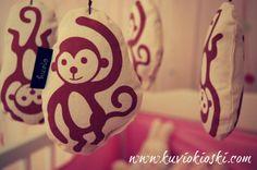Aasian apinat odottavat Kultakerttulin pienokaista jo maailmaan <3 Collections, Blog, Character, Art, Art Background, Blogging, Kunst, Art Education