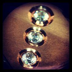 Practicing 4mm bezel set. Starting work with big stones! #alexandreschool #lorafojohn #goldsmith #guldsmed #gullsmed #goudsmid #orafo #orfebre #orfèvre #oreficeria #gioielli #jewelry #incastonatura #incisione #instajewelrygroup #stonesetting #handengraved