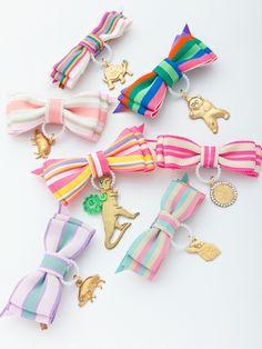 medal brooch // broches medallas animales