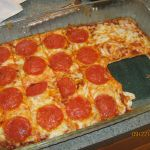 no carb pizza recipe made without nuts or flours of any kind. Gluten-free, grain-free & perfect for low carb diets.Delicious no carb pizza recipe made without nuts or flours of any kind. Gluten-free, grain-free & perfect for low carb diets. Carb Free Recipes, Ww Recipes, Cooking Recipes, Healthy Recipes, Atkins Recipes, Recipies, Atkins Pizza Recipe, Healthy Dinners, Cooking Tips