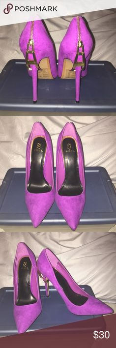 Purple Zipper Shoe Dazzle Pumps Sz 8.5 Super cute faux suede purple Pumps with zipper detail at the back. Never worn Shoes Heels