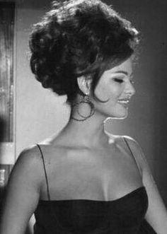 Claudia Cardinale, Old Hollywood Glamour, Vintage Hollywood, Classic Actresses, Actors & Actresses, Old Movie Stars, Italian Beauty, Glamour Shots, Retro Hairstyles