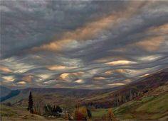 des nuages qui ondulent