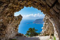 Ruiny zamku, Ściana, Widok, Miejscowość Monolitos, Wyspa Rodos, Grecja, Drzewo, Morze
