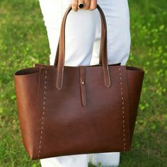 Items similar to Leather Tote Bag Brown - Leather Handbag - WomenLeather Bag - Leather Shopper Bag - Leather Shoulder Bag on Etsy Leather Bag Design, Leather Bag Pattern, Leather Gifts, Leather Bags Handmade, Brown Leather Handbags, Leather Purses, Leather Tote Bags, Shopper Bag, Leather Accessories