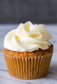BEST carrot cake cupcakes ever! (with cream cheese frosting)
