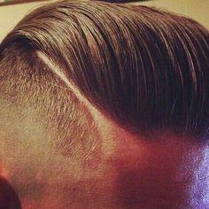 """El corte de cabello """"Faux Hawk"""" es lo que esta de #Moda en este momento para caballeros!"""