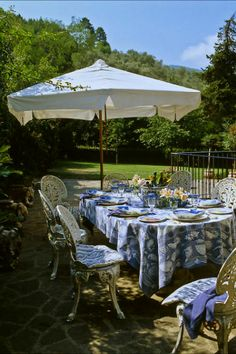 """""""Al Fresco at The Coach House"""" - Villa Michaela in Lucca, (Tuscany) Italy. If you would like to stay there, ask at info@italian-itineraries.com"""