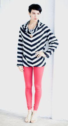 Oversized sweatshirt in stripes with tying.