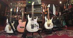Clases de Guitarra :      Pablo Bartolomeo: Steve Vai Colección de 200 Guitarras (Impresionant...