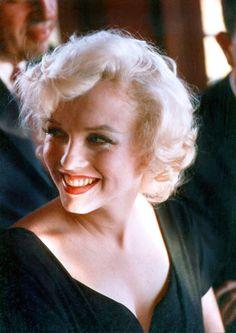 """Marilyn Monroe photographed by Earl Leaf, 1958. """