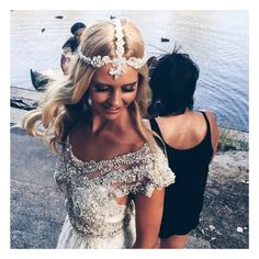 Behind the scenes shot of Model Saasha Burns wearing the Anna Campbell Valentina Headpiece. http://www.annacampbell.com.au/shop Make up @meloniesantos