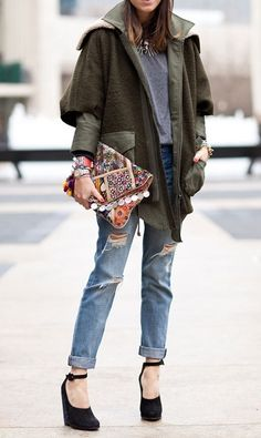 Distressed boyfriend jeans + slouchy jackets.