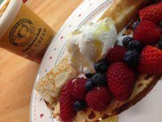 Caroline's Dairy Royal Bourbon Vanilla Ice Cream with fruit and golden syrup pancakes - http://www.carolinesdairy.co.uk