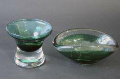 Grønnlig krystallskål, 1970talls   Hadeland, Willy Johansson  Munnblåst.Mintgrønn oval skål, 1960talls   Hadeland  Munnblåst.