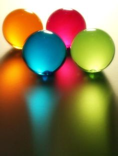 So so nice. This is lovely and beautiful. Previous pinner wrote: Fotos e Imágenes preferidas World Of Color, Color Of Life, Just In Case, Just For You, Glass Marbles, Glass Paperweights, Over The Rainbow, Glass Ball, Rainbow Colors