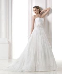 Dreams 2015: Malvina - Pronovias wedding dress
