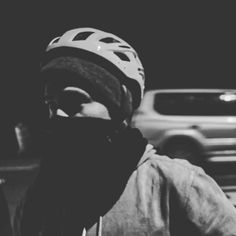 Travel night. Photo:@xxorrtizz @overr.timee colaboración:@skaeneoache @alejohard_s #blancoynegro #noche #night #nikond3400 #viaje #bogota🇨🇴… Nikon D3400, Instagram, Travel, Fashion, Black And White, Bicycles, Voyage, Night, Trips