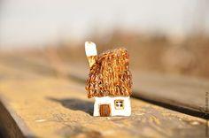 Купить Сельский домик. - коричневый, сепия, дом, домик, миниатюра, минискульптура, скульптура из глины, скульптура