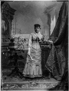 María Díaz, Fotografia de Eugenio Courret, publicada en 1884 - Biblioteca Nacional del Perú
