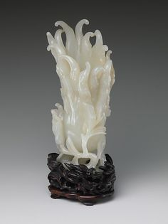 Buddha's Hand Period: Qing dynasty (1644–1911) Culture: China Medium: Jade (nephrite) Dimensions: H. 6 3/8 in. (16.2 cm); W. 2 9/16 in. (6.5 cm); D. 2 5/16 in. (5.9 cm) Classification: Jade Credit Line: Gift of Heber R. Bishop, 1902 Accession Number: 02.18.589