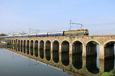 Deccan Quuen Express on Harris Bridge, Pune