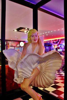 Marilyn Monroe 1950 American Diner, Marilyn Monroe, Disney Characters, Fictional Characters, Aurora Sleeping Beauty, Disney Princess, Disney Princes, Disney Princesses, Marylin Monroe