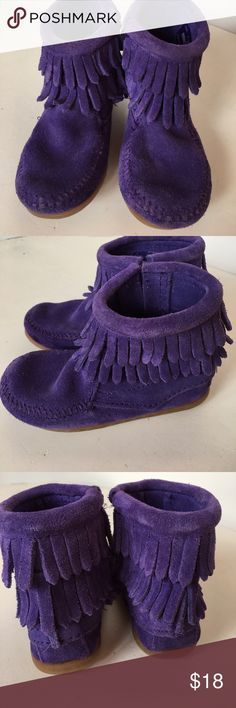 Kids Minnetonka Moccasin Purple suede little girls Moccasin with zipper down the side for easy on and off. Gentle use, very good condition Minnetonka Shoes Moccasins