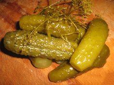 Castraveti murati ca la bunica! Food Storage, European Cuisine, Pickle Jars, Home Canning, Russian Recipes, Canning Recipes, Bon Appetit, Kids Meals, Sweet Recipes