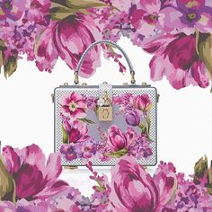 The Dolce Bag becomes a bouquet of fresh flowers in the special collection dedicated to the opening of the new Dolce&Gabbana boutique in Tokyo.