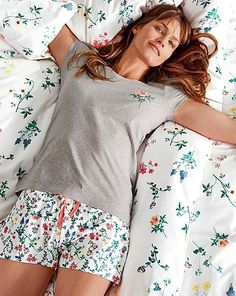 Eleganckie, piękne i delikatne - wybierz bieliznę lub piżamę dla siebie: www.tchibo.pl/