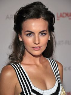 Camilla Belle- such a pretty eye look and hair color Camilla Belle, Beauty Make-up, Beauty Hacks, Hair Beauty, Iconic Beauty, Beauty Tips, Make Up Looks, Formal Hairstyles, Down Hairstyles