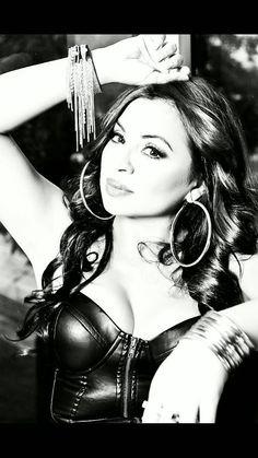 Elida Reyna- love her music