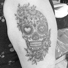 #sugarskull #sugarskulltattoo #kwadron #kwadroncartridges #dinamycink #3rl #janoskovacs #tattoobyjanoskovacs #bjanoskovacs #wolfenbüttel #followforfollowback #photooftheday #instagrammers #whipshaded #whipshadingtattoo #cheyennesolterra #cheyenne Sugar Skull Tattoos