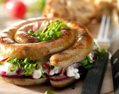 Gefüllte Grillschnecken Salmon Burgers, Bagel, Bread, Ethnic Recipes, Food, Snails, Grilling, Recipes, Salmon Patties