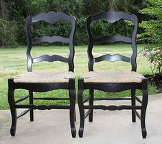 Chic Pair Of Ladder Back Rush Seat Sea Grass Country French Chairs In Black