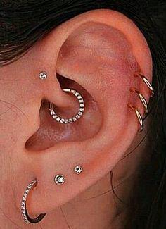 Ear Piercings Chart, Pretty Ear Piercings, Ear Peircings, Types Of Ear Piercings, Female Piercings, Piercing Chart, Facial Piercings, Multiple Ear Piercings, Ohrknorpel Piercing
