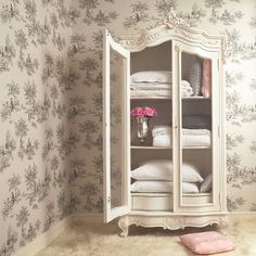 Color Chic Bedroom, Shabby Chic Wedding Also Shabby Chic Furniture. Along With Shabby Chic Pattern, Fr. Armoire Shabby Chic, Shabby Chic Bookcase, Shabby Chic Mode, Style Shabby Chic, Shabby Chic Bedroom Furniture, Bedroom Furniture Design, Shabby Chic Decor, Bedroom Decor, French Armoire