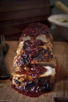 pork tenderloin with cranberry sauce - Videolu Tarif - Leziz Yemek Tarifleri - Videolu Yemek Tarifleri - Pratik Yemek Tarifleri Think Food, I Love Food, Good Food, Yummy Food, Pork Tenderloin Recipes, Pork Recipes, Cooking Recipes, Best Pork Tenderloin Marinade, Sauce For Pork Tenderloin