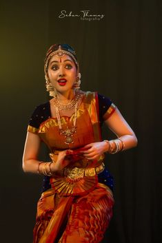 Photography Poses Women, Dance Photography, Indian Classical Dance, Dance Poses, Beauty Full Girl, Beautiful Girl Image, Dance Fashion, India Beauty, Dance Dresses
