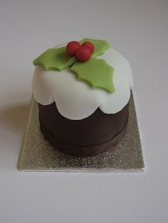 iced: Mini Christmas Cakes!