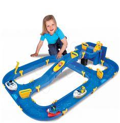 Hledáte pro děťátko pěknou hračku? Úžasné dobrodružství zažijí vaše děti při skládací vodní hře Niagara značky BIG, která obsahuje manuální pumpu na vodu a dohromady až 41 dílů.