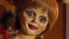 VIDEO: Besessene Puppen im echten Leben - Wie aus einem Horror-Film!  Puppen gehören zu den beliebtesten Spielzeugen kleiner Mädchen, sind aber auch gern gesehene Hüllen von Dämonen in Horrorfilmen! Im folgenden Video zeigen wir euch, dass nicht alle Ideen der Filmemacher ausgedacht sind! Besessene Puppen im echten Leben - Zum Video! >>> http://bit.ly/2J1M8UF  #Annabelle #Video #Chucky