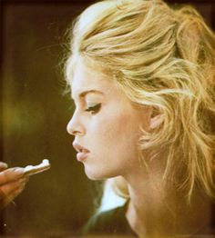 FOREVER HOLLYWOOD-fantastic photo - i love BB - THANKS -BRIGIT BARDOT.