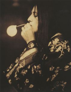 Alvin Langdon Coburn  The Bubble, circa 1908  Gum bichromate over platinum print  From Alvin Langdon Coburn: Photographs 1900-1924