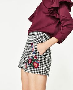 Image 5 of GINGHAM CHECK HIGH RISE SHORTS from Zara