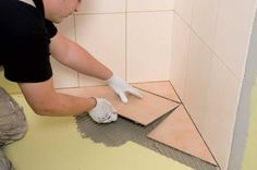 Superb tutorial on How to tile a bathroom floor! Simple step-by-step tutorial for absolute beginners!