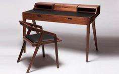 Graziler Schreibtisch aus edlen Hölzern - [SCHÖNER WOHNEN]