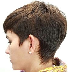 67 Most Trendy Pixie Short Hairstyle For Stylish Woman Love to Try This Season - Page 57 Pixie Hairstyles, Pixie Haircut, Layered Hairstyles, Short Hair With Layers, Short Hair Cuts, Cute Pixie Cuts, Hot Hair Colors, Cut Her Hair, Haircut And Color