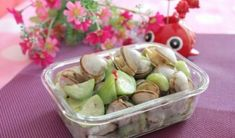 If you like Cold Dish, you will like White Clams And Sponge Gourd which is very easy to eat and full of elasticity. How to make White Clams And Sponge Gourd Step1. Wash the white clam and put it into the pot, do not add water, boil it in high heat Step2. The white clam...Read More Healthy Chinese Recipes, Cold Dishes, Clams, Gourds, Chinese Food, Stir Fry, Food Print, Potato Salad, Stuffed Peppers